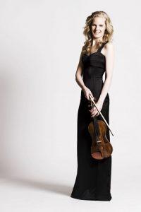 Vooruitblik seizoen 2017-2018. violiste Simone Lamsma met Sinfonia Rotterdam in Rotterdam, Den Haag en Delden